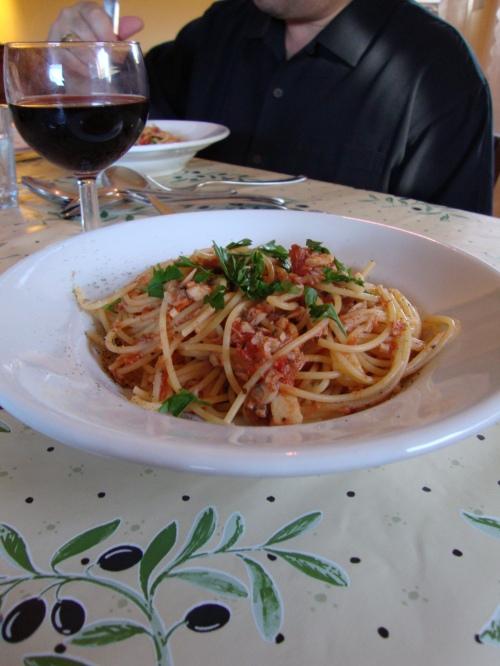 spaghetti alla pescatora (with fish/shellfish)